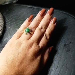 Beautiful Jadeite 18k solid gold ring